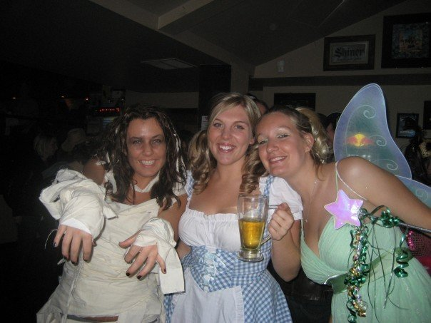 My first Halloween in Milwaukee...a mummy (me), St. Paulie girl (Lindsay), and Tinkerbell (Andrea).
